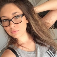 Sexy Russian woman under 25 living in New York