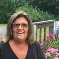 Mature single woman under 70 from Johnson County, Kansas